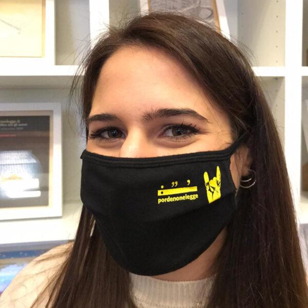 pordenonelegge mascherina nera